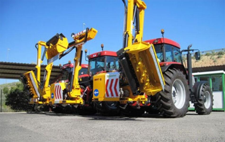 Belafer entrega tres desbrozadoras para el mantenimiento de carreteras en Lleida