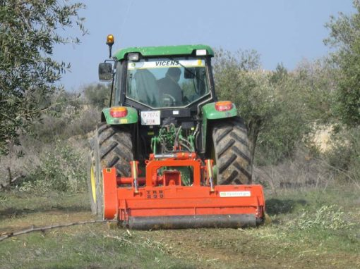 trituradora TRB-Raw porton trasero olivar almendros